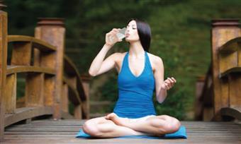 Làm thế nào để uống nước một cách hiệu quả khi tập Yoga?