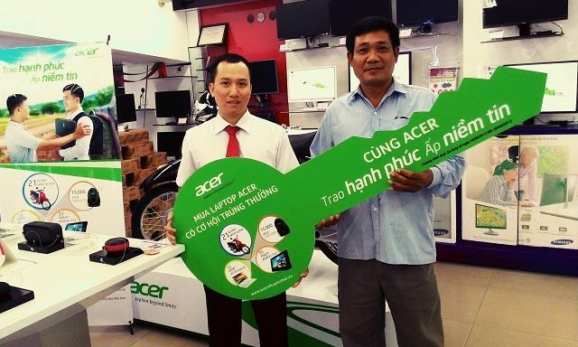 Pico trao giải cho khách hàng may mắn của chương trình