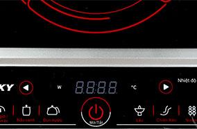 Bảng điều khiển cảm ứng hiện đại, dễ thao tác và sử dụng