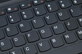 Bàn phím và touchpad tiện dụng