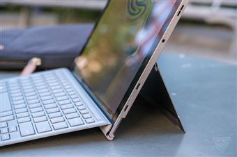 Samsung ra mắt Galaxy Book 2: Tablet Windows 10 có kết nối 4G, màn hình Super AMOLED 12 inch, pin 20 giờ, giá 1.000 USD kèm bàn phím và bút
