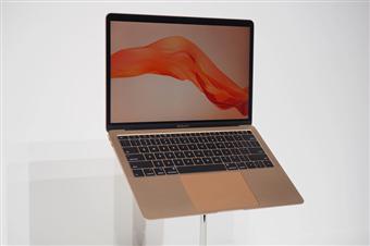 Macbook Air 2018 là laptop nhẹ nhất từ trước đến nay của Apple