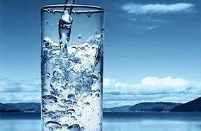 Hai nguồn nước nóng lạnh tiện lợi