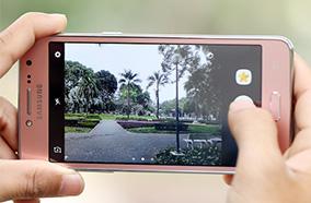 Camera sắc nét, camera selfie có flash